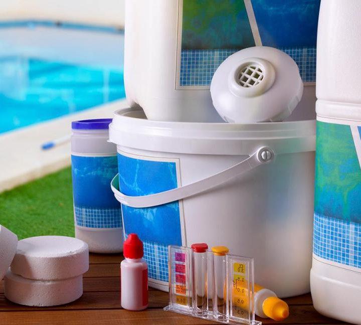 produits d'entretien de piscine